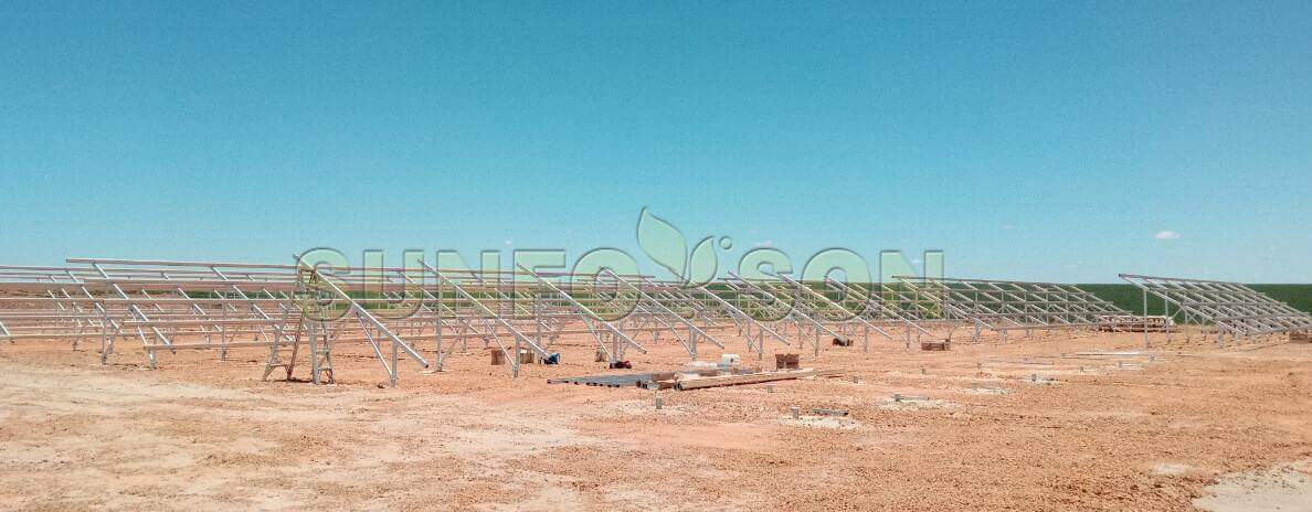 Sunrack Solar Ground Screw Mounting System for Solar Plant